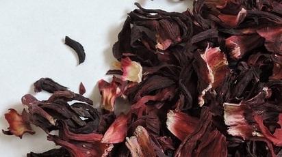 Ce afecțiuni ameliorează ceaiul de hibiscus?